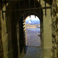 puerta CASTILLO de la muela azafran consuegra