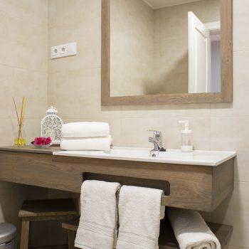 baño habitacion 4 Rosa Del Azafran