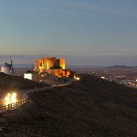casa rural consuegra Molinos de Consuegra y castillo. Toledo. Castilla la Mancha. España